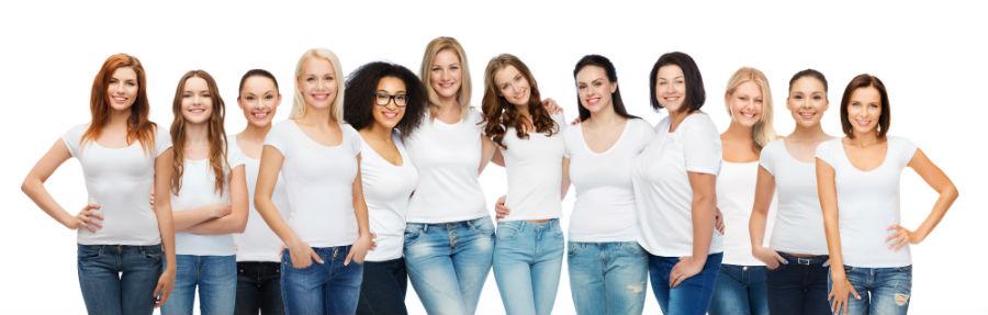 """Articolo blog """"Come cambia nel tempo la fertilità femmnile"""": nell'immagine un gruppo di donne con età diverse"""