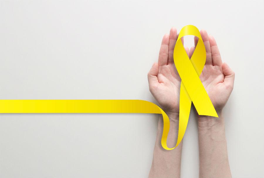 Il nastro giallo simbolo della lotta all'endometriosi