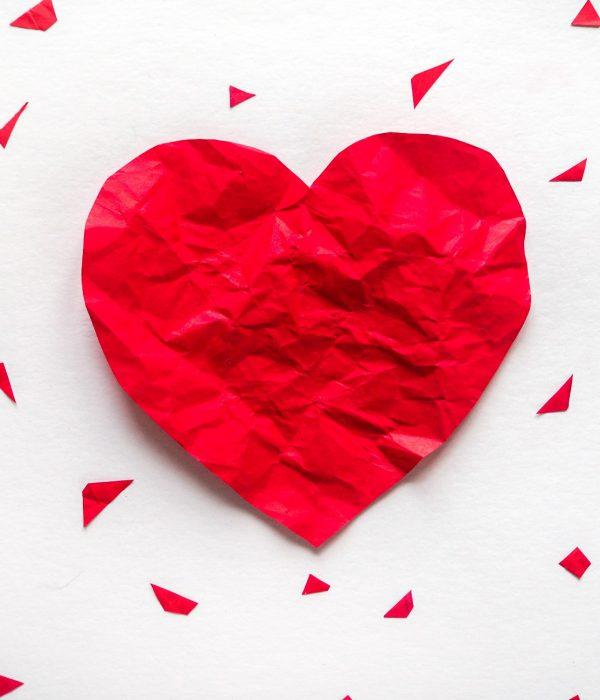 Filofobia: un cuore di carta stropicciato