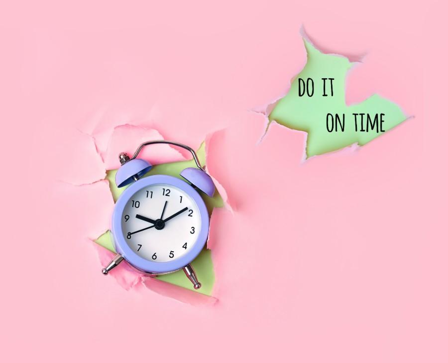 Sveglia e scritta Do It On Time