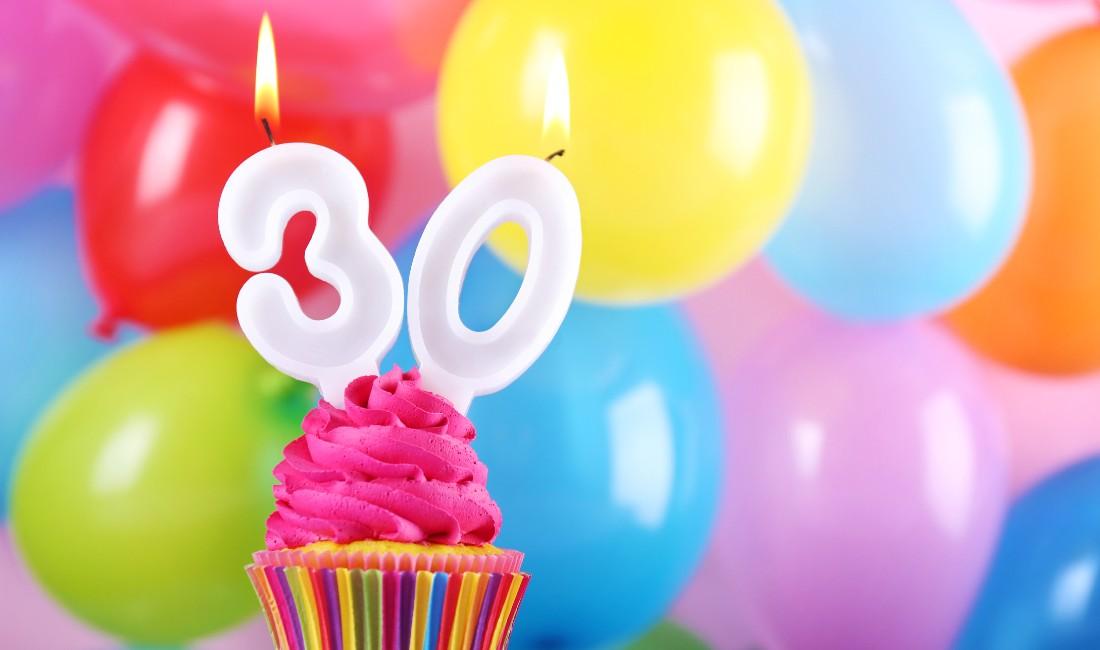 Cupcake con candeline 30 anni