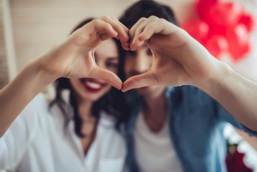Regali di coppia per San Valentino: la crioconservazione degli ovociti per preservare la fertilità femminile concept